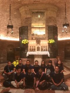 Messe dans les catacombes de Rome